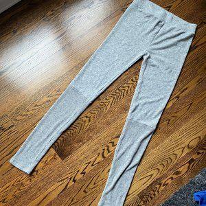 Like new. American Eagle Sweater Leggings, L, Gray
